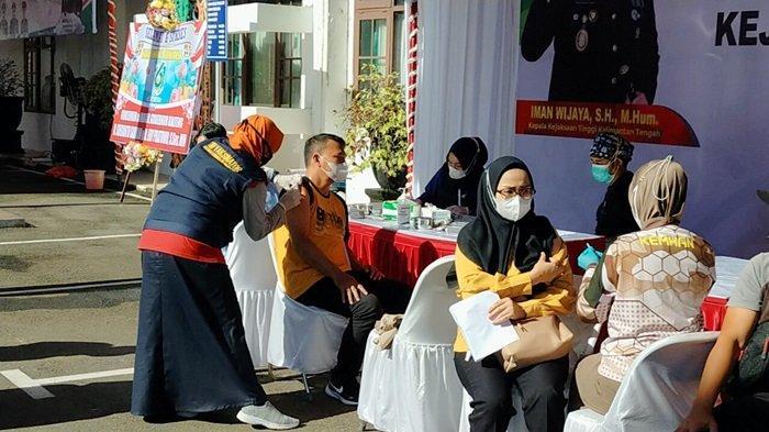 Puncak HUT ke-61 Adhyaksa, Kejati Kalteng dan Jajaran Gelar Vaksinasi Massal, Target 10 Ribu Vaksin
