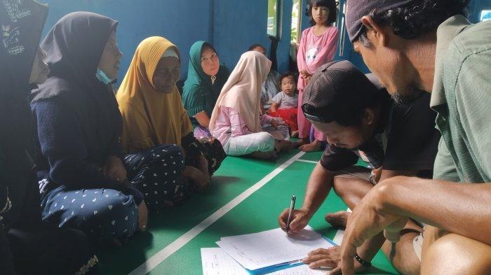 Ribuan Korban Banjir Kalsel di Batola Masih Mengungsi, Harapkan Bantuan Tetap Mengalir