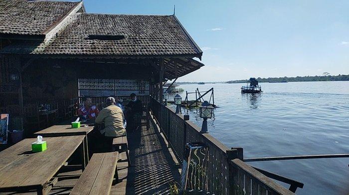 Wisata Kuliner Bermunculan di Bantaran Sungai Mentaya Sampit Kabupaten Kotim Kalteng