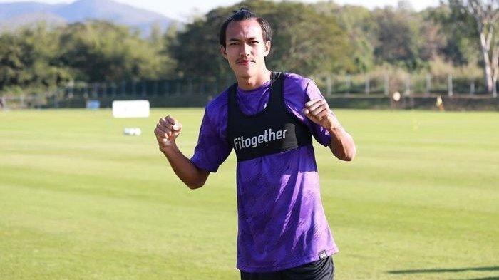 Yudha Febrian yang pernah dicopot dari Timnas Indonesia dan Klub Liga 2 AHHA PS Pati FC kini bergabung ke klub Liga 1 Persik Kediri