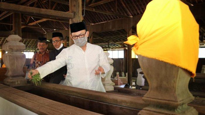 Ziarah ke Makam Sultan Kutaringin, Bentuk Menghargai Sejarah Ujang Iskandar