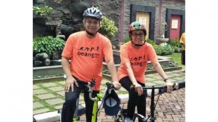 Foto Menkeu Sri Mulyani bersama suaminya, Tonny Sumartono, pada kegiatan Hari Oeang Republik Indonesia (HORI) Tahun 2017.