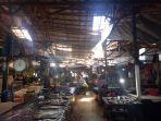 20201021helriansyah-atap-bangunan-pasar-ikan-komplek-pasar-ambruk-bangunan.jpg