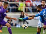 aksi-pemain-napoli-lorenzo-insigne-di-pertandingan-melawan-fiorentina_20180430_055429.jpg