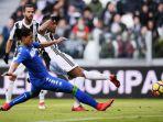 alex-sandro-mencetak-gol-pembuka-juventus-ke-gawang-sassuolo_20180205_045159.jpg