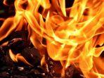 api-neraka.jpg