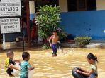 banjir-di-tapin_20170327_142830.jpg