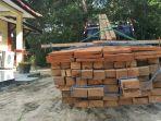 barang-bukti-kayu-ilegal-saat-diamankan-petugas_20170829_082418.jpg