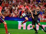 eden-hazard-juanfran-pada-pertandingan-liga-champions-antara-atletico-madri_20171205_070934.jpg