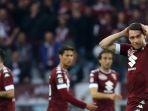 ekspresi-kekecewaan-striker-torino-andrea-belotti-kanan-dalam-pertandingan-liga-italia_20171128_063013.jpg
