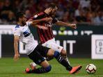 gonzalo-higuain-pada-pertandingan-ac-milan-vs-atalanta_20180924_052155.jpg