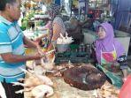 harga-ayam-potong-di-pasar-tradisional-palangkaraya-kalimantan-tengah-masih-relatif-stabil.jpg