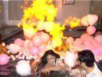 insiden-ledakan-balon-di-kejutan-ultah-angga-wijaya-yang-disiapkan-dewi-perssik.jpg