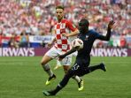 ivan-rakitic-membayang-bayangi-ngolo-kante-dalam-pertandingan-perancis-vs-kroasia_20180716_051455.jpg