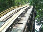 jembatan-pamukan-kotabaru-rusak.jpg