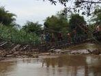 jembatan-samhurang-kabupaten-hst_20180830_190310.jpg