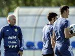 jorge-sampaoli-kiri-memimpin-latihan-timnas-argentina_20180625_074324.jpg