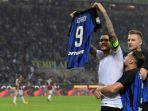 kapten-inter-milan-mauro-icardi-merayakan-gol-yang-dia-cetak-ke-gawang-ac-milan_20171205_071822.jpg