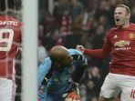 kapten-manchester-united-wayne-rooney-merayakan-gol-ke-gawang-reading_20170516_062853.jpg
