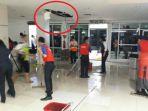 kerusakan-plafon-di-bandara-syamsudin-noor_20180829_204340.jpg