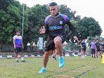 live-streaming-o-channel-rans-cilegon-fc-vs-perserang-cristian-gonzales.jpg