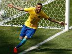 luan-merayakan-gol-brasil_20170704_105732.jpg