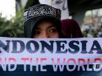 massa-dari-hizbut-tahrir-indonesia_20170509_130954.jpg