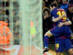 megabintang-fc-barcelona-lionel-messi-atas-merayakan-golnya-bersama-jordi-alba_20180109_044827.jpg