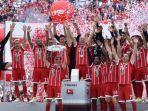 para-pemain-bayern-muenchen-merayakan-gelar-juara-bundesliga_20170617_051743.jpg