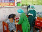 pelaksanaan-vaksinasi-covid-19-di-kalteng-juga-dilakukan-di-lingkungan-sekolah.jpg