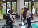 pelaku-kepergok-ingin-mencuri-di-masjid-hidayatul-mujahirin1122.jpg
