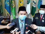 penjabat-sekretaris-daerah-provinsi-kalsel-roy-rizali-anwar-sgsgs.jpg