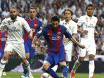penyerang-barcelona-lionel-messi-menguasai-bola-dalam-pengawasan-para-pemain-madrid_20170425_051849.jpg
