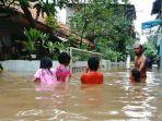 permukaan-air-di-kali-sunter-di-kelurahan-cipinang-melayu_20170219_170154.jpg