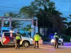 petugas-kepolisian-patroli-subuh-di-salah-satu-ruas-jalan-di-sampit-kabupaten-kotim-kalteng.jpg