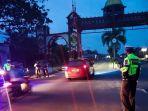 petugas-satlantas-polres-kotim-patroli-cegah-aksi-balapan-liar-di-sampit-kabupaten-kotim-kalteng.jpg