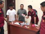 polisi-amankan-dua-orang-bandar-narkoba-di-sampit_20181012_104025.jpg