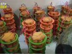 ratusan-loyang-kue-khas-ramadhan-belum-yang-lainnya-olahan-mirna-di-pabriknya-kapuas.jpg