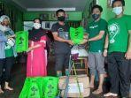 relawan-lindungi-hutan-kabupaten-kapuas-serahkan-bantuan.jpg