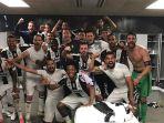 skuad-juventus-merayakan-keberhasilan-setelah-menumbangkan-barcelona_20170426_065443.jpg