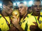 striker-brasil-ronaldo_20150729_091758.jpg
