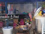 suasana-dapur-umum-di-depan-kantor-dinas-sosial-provinsi-kalimantan-selatanasfsdfa.jpg