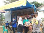 suasana-penerimaan-sumbangan-dan-persiapan-tim-relawan-safsdfasdf.jpg