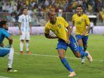 timnas-brasil-joao-miranda-kiper-argentina-sergio-romero_20181017_050444.jpg