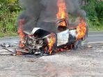 tribun-kalteng-hilux-mobil-terbakar.jpg