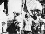 tribun-kalteng-pengibaran-bendera_20180814_160257.jpg
