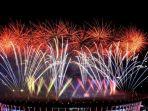 tribun-kalteng-pesta-kembang-api-pembukaan-asian-games_20180831_092420.jpg