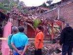 tribun-kalteng-rumah-rusak-ledakan-di-kebumen_20170724_100058.jpg