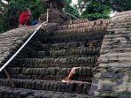 tribun-kalteng-tangga-kuno-kerajaan_20180913_073915.jpg
