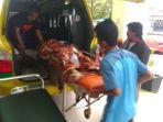 tribunkalteng-evakuasi-korban-kecelakaan_20171218_051104.jpg